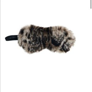 ✨GHOST LEOPARD FAUX FUR SLEEP MASK-NWT✨
